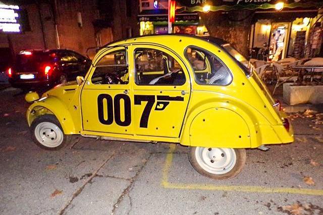 citro u00ebn 2cv 007  une voiture de collection propos u00e9e par serge k