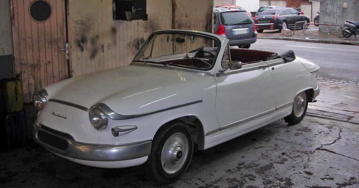 panhard pl17 cabriolet une voiture de collection propos e par nicolas h. Black Bedroom Furniture Sets. Home Design Ideas