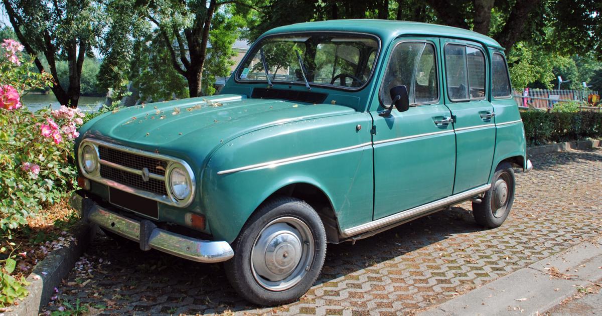 renault 4 tl verte  une voiture de collection propos u00e9e par