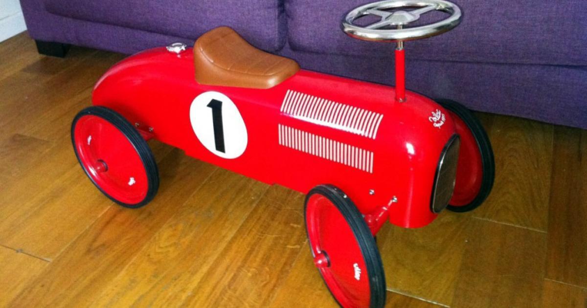 voiture porteur vilac rouge n 1 une voiture de collection propos e par jean luc. Black Bedroom Furniture Sets. Home Design Ideas