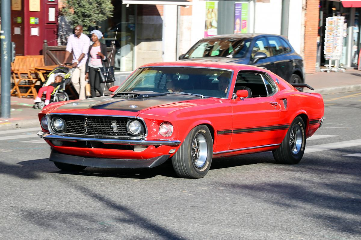 ford mustang mach1 une voiture de collection propos e par xavier w. Black Bedroom Furniture Sets. Home Design Ideas