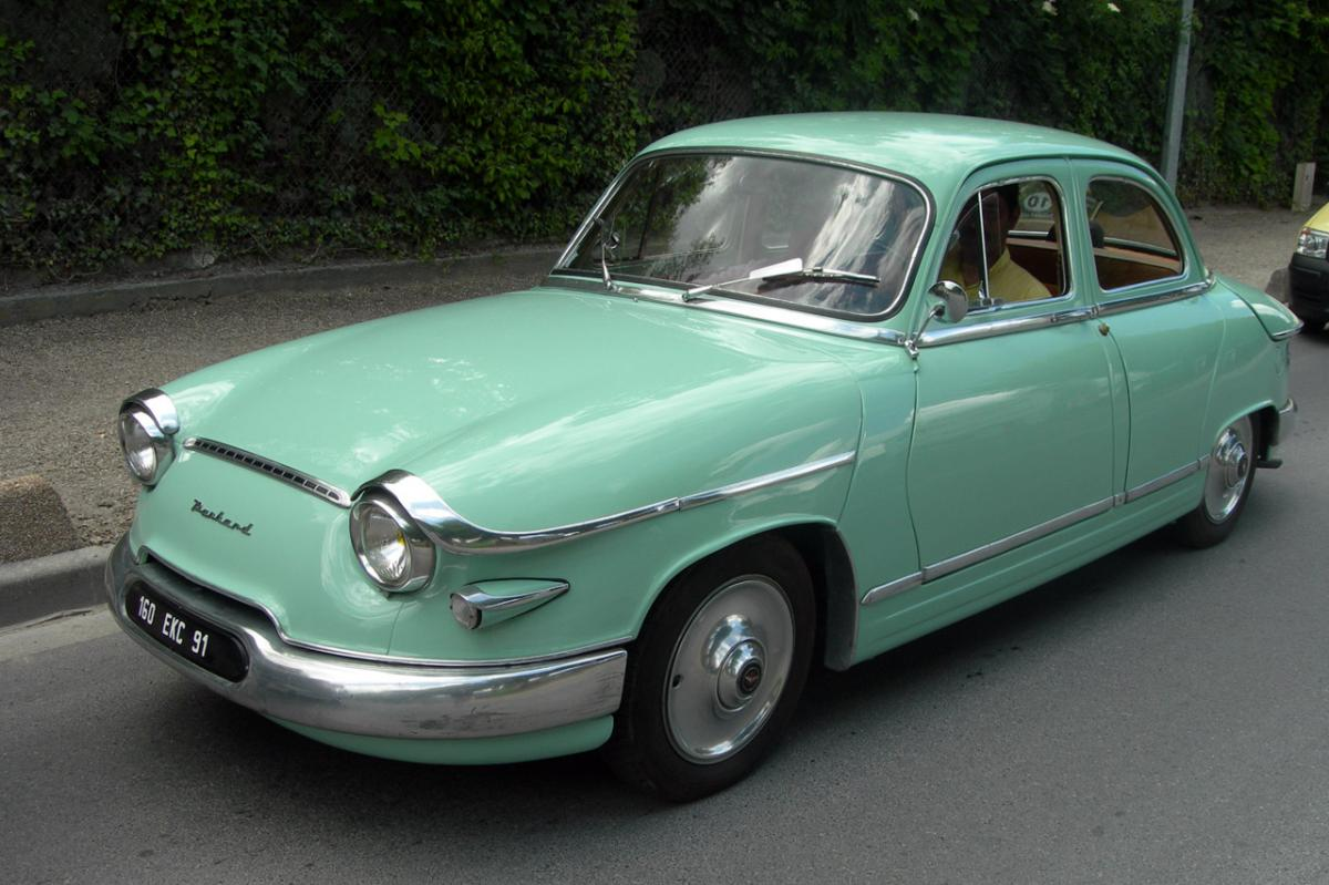 panhard pl17 l4 de 1961 une voiture de collection propos e par didier h. Black Bedroom Furniture Sets. Home Design Ideas