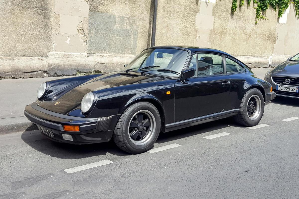 porsche 911 carrera une voiture de collection propos e par pascal b. Black Bedroom Furniture Sets. Home Design Ideas