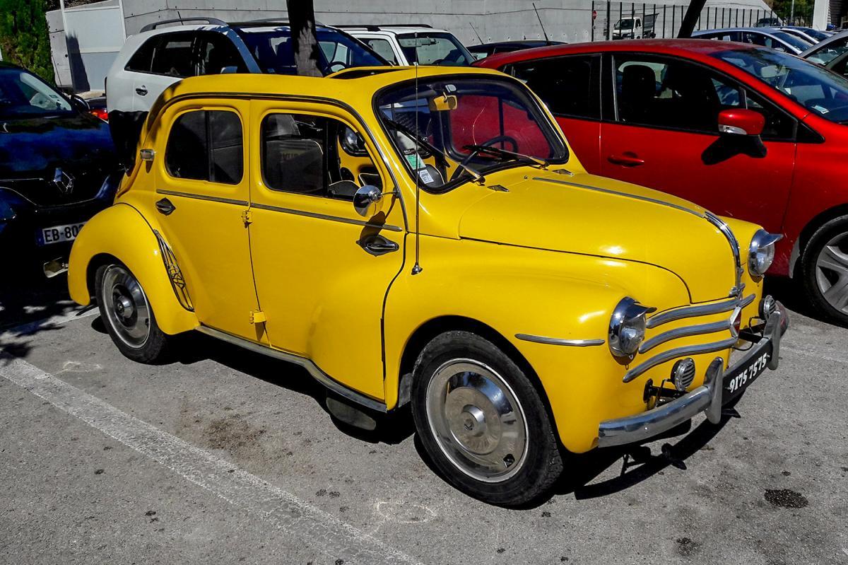 renault 4cv d u00e9couvrable  une voiture de collection propos u00e9e par christophe d