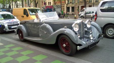 Voiture de collection « 1938 Lagonda V12 »