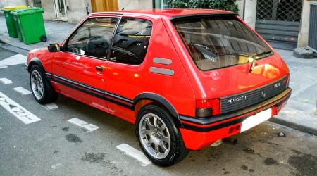 Voiture de collection « Peugeot 205 GTI 1,9l »