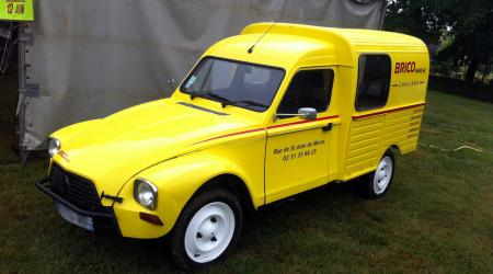 Voiture de collection « Citroën Acadiane »