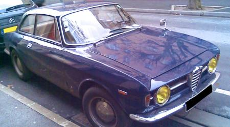 Voiture de collection « Alfa Romeo GT 1300 Junior »