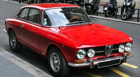 Voiture de collection « Alfa Romeo Giulia GT »
