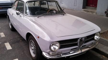 Voiture de collection « Alfa Roméo GT 1600 Junior  »