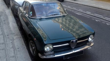 Voiture de collection « Alfa Roméo GT 1300 Junior »