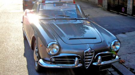 Voiture de collection « Alfa Roméo Giulietta spider »