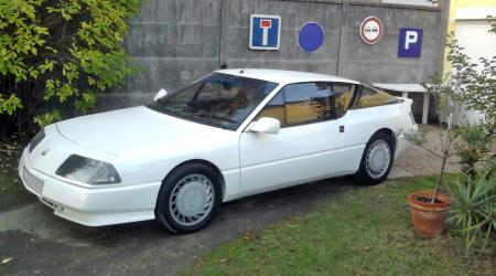 Voiture de collection « Alpine Renault GTA »