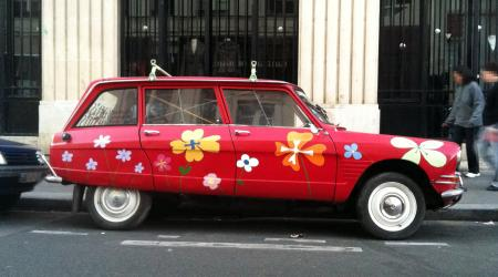 Voiture de collection « Ami 8 Break à Fleur ! »