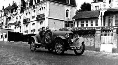 Voiture de collection « Amilcar »