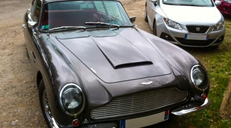 Voiture de collection « Aston Martin DB6 »