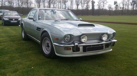 Voiture de collection « Aston Martin V8 »