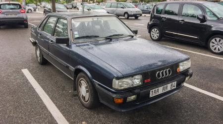 Voiture de collection « Audi 80 »