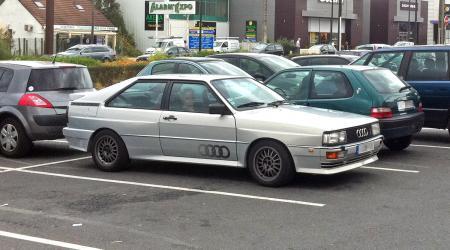 Audi Quattro grise