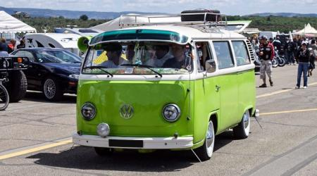Voiture de collection « Combi VW T2B »