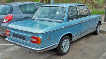 Voiture de collection « BMW 1802 »