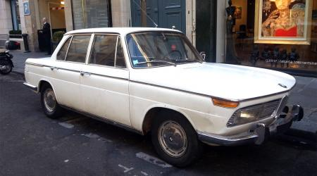 Voiture de collection « BMW 1800 »