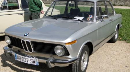 Voiture de collection « BMW 2002 Grise »