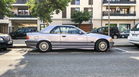 Voiture de collection « BMW 320i E36 hardtop »