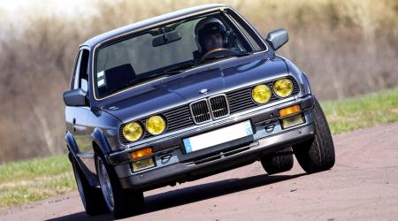 Voiture de collection « BMW 325IX E30 »