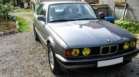 Voiture de collection « BMW 525i E34 »