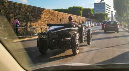 Voiture de collection « Bugatti (Type 43 ?) »