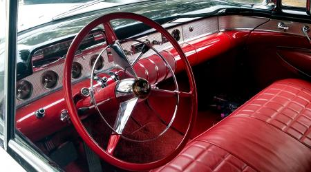 Voiture de collection « Buick Century convertible 1955 »