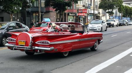 Voiture de collection « Chevrolet Impala cabriolet »