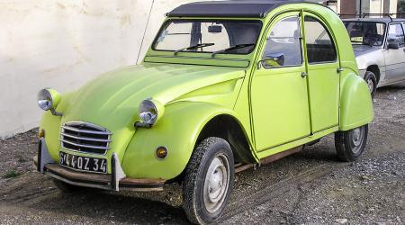 Voiture de collection « Citroën 2cv4 Spécial 1975 »