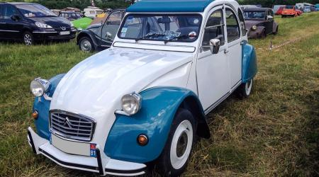 Voiture de collection « Citroën 2CV6 1985 »