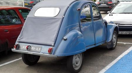 Voiture de collection « Citroën 2CV »