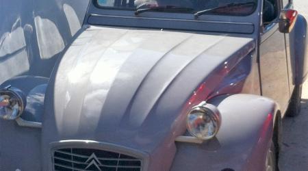 Voiture de collection « Citroën 2CV6 Spéciale »