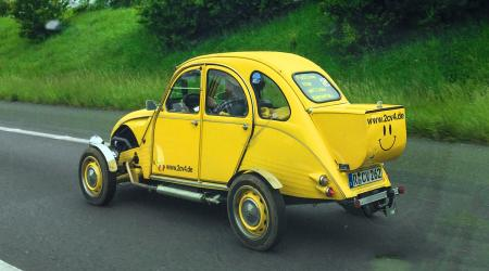 Voiture de collection « Citroën 2CV Canard étroit »