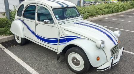 Voiture de collection « Citroën 2CV France 3 »