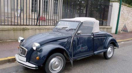 Voiture de collection « Citroën 2cv Hoffmann Cabriolet »