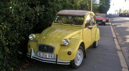 Citroën 2CV jaune