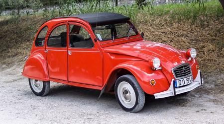 Voiture de collection « Citroën 2CV6 Spécial »
