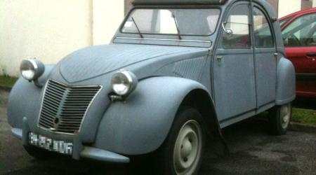 Voiture de collection « Citroën 2 Chevaux »