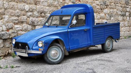 Voiture de collection « Citroën Acadiane Pickup »