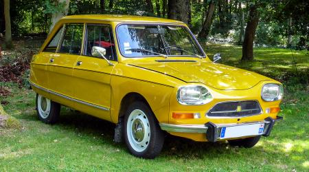 Voiture de collection « Citroën Ami 8 »