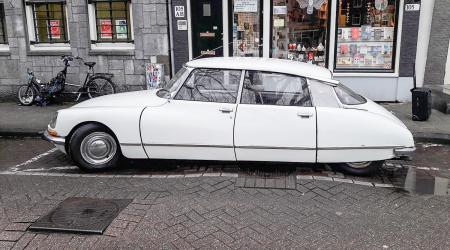 Voiture de collection « Citroën DS20 »