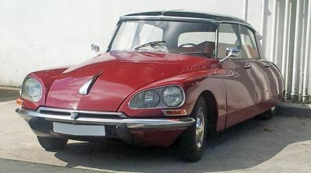 Voiture de collection « Citroën DS 21 »