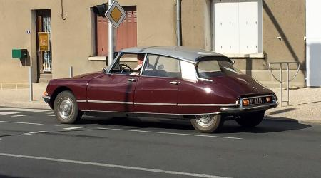Voiture de collection « Citroën DS21 »