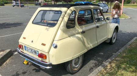 Voiture de collection « Citroën Dyane 6 »