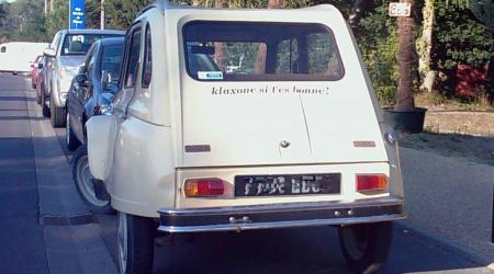 Voiture de collection « Citroën Dyane, klaxonne si t'es bonne ! »